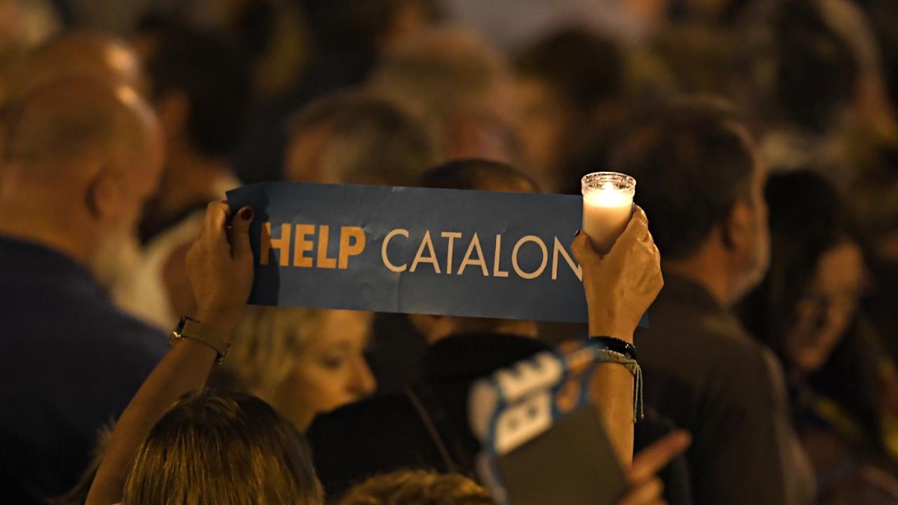 Мадрид собирается лишить Каталонию самоуправления