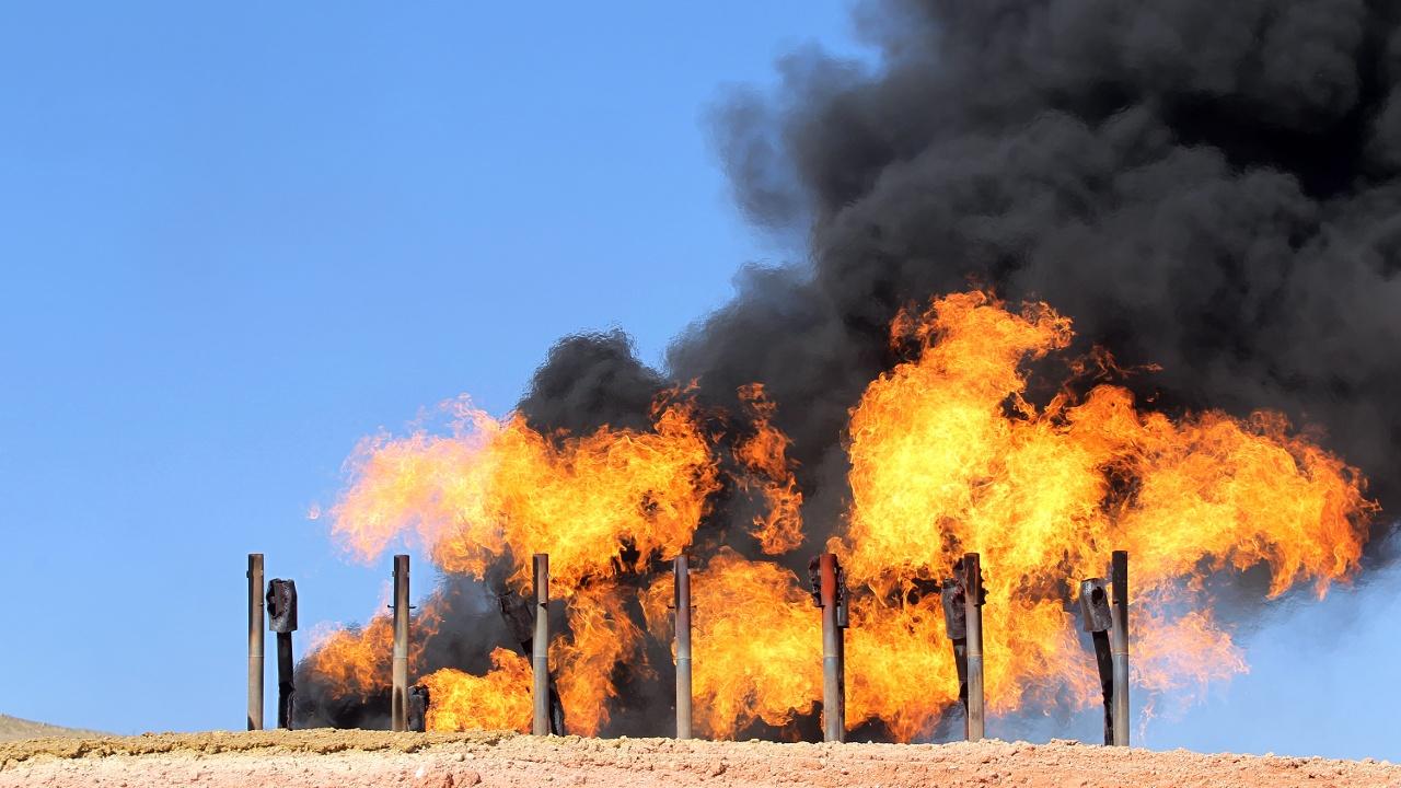 Цены на нефть растут из-за боёв в Ираке и конфликта Ирана и США