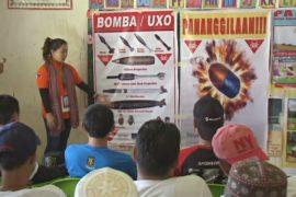 Жителей Марави учат распознавать бомбы и мины, оставшиеся после боевиков