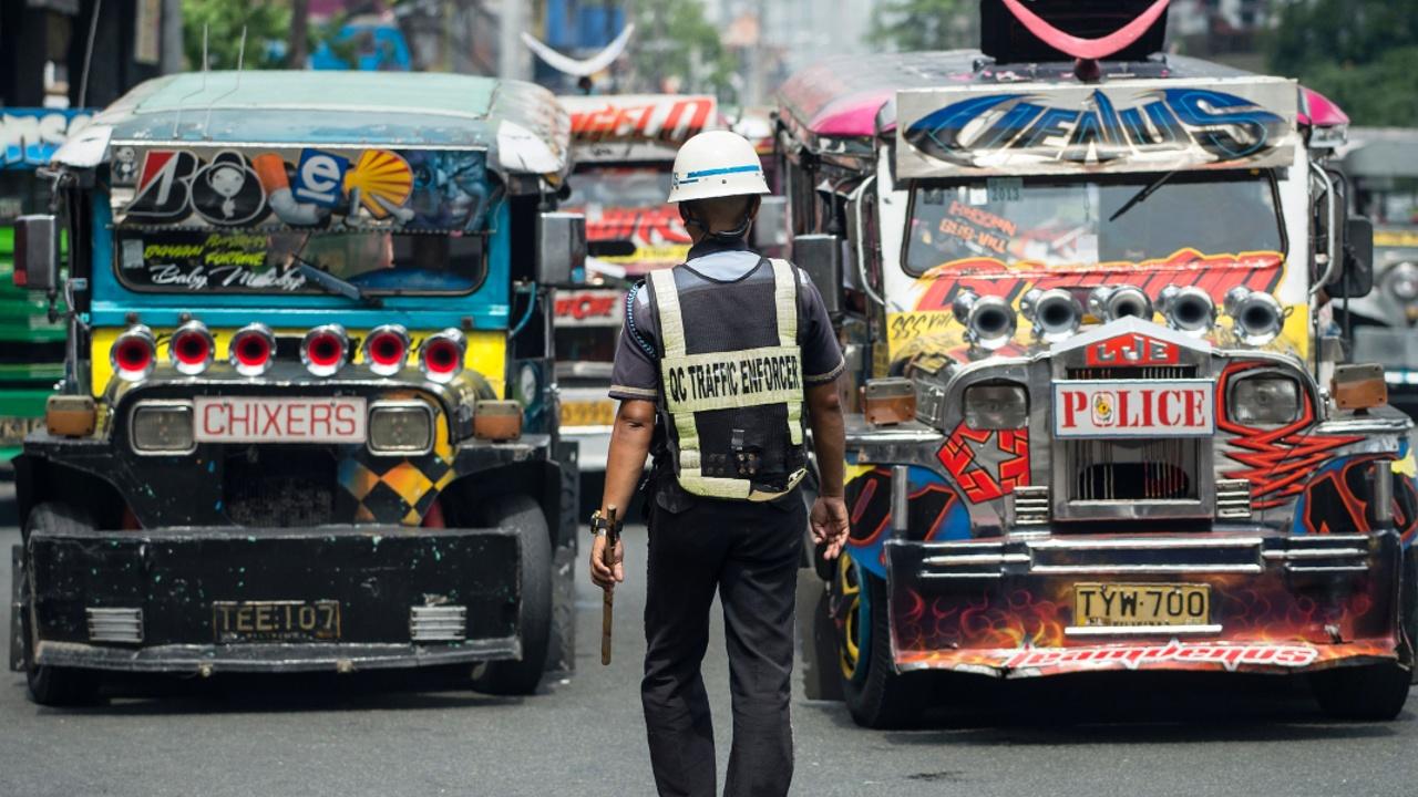 Легендарные джипни Филиппин заменят на более экологичный транспорт