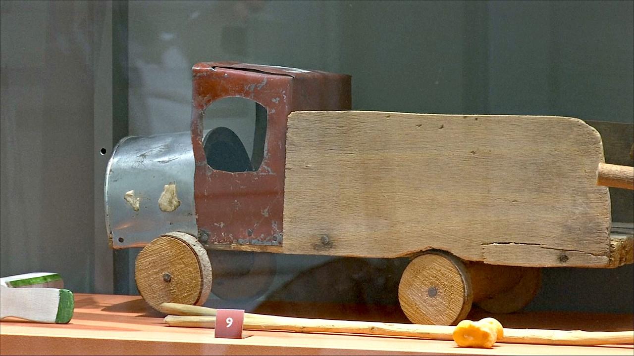 Частную коллекцию уникальных игрушек представили в Афинах