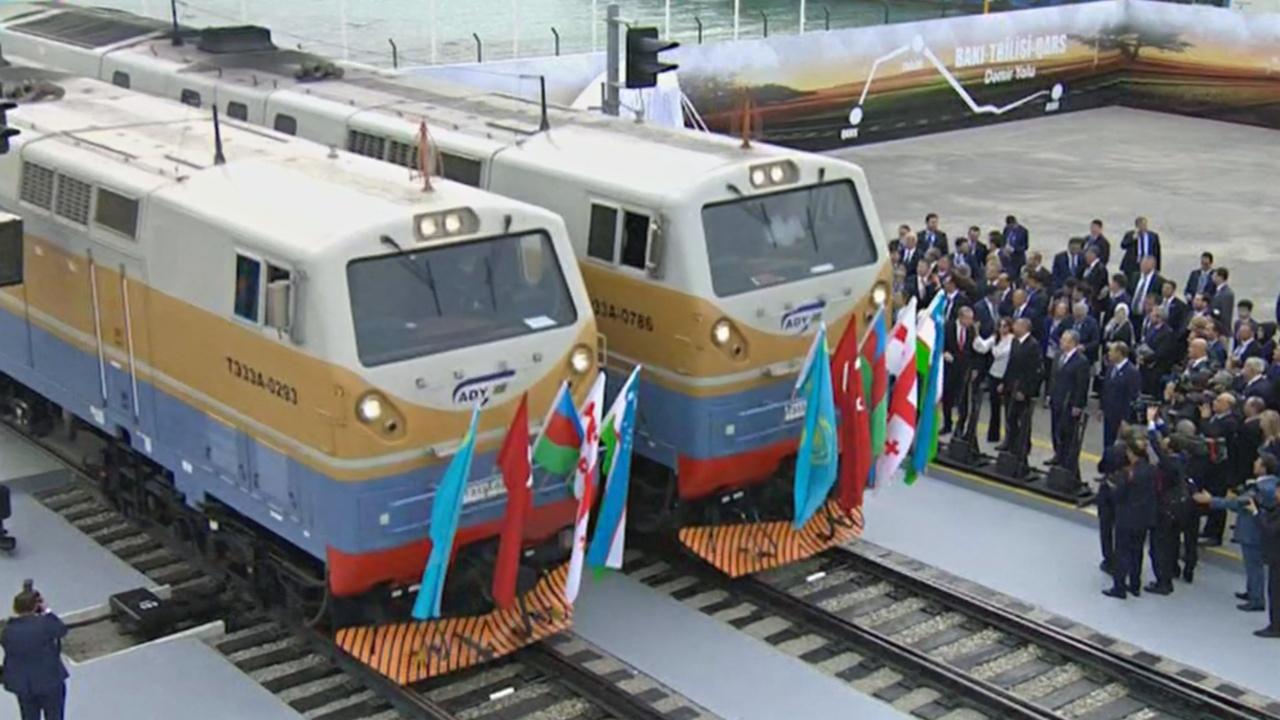Из Пекина в Лондон в обход Москвы: запущена новая железная дорога