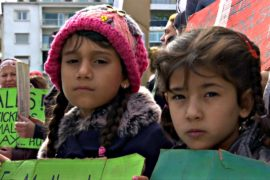Беженцы объявили голодовку в Афинах