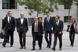 Суд арестовал восьмерых членов отстранённого правительства Каталонии