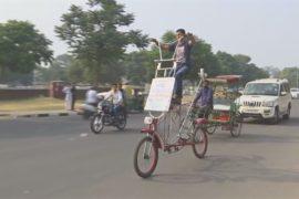 Индиец построил велосипед высотой со слона