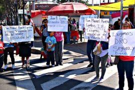 В Мехико требуют восстановить пострадавшие от землетрясения школы