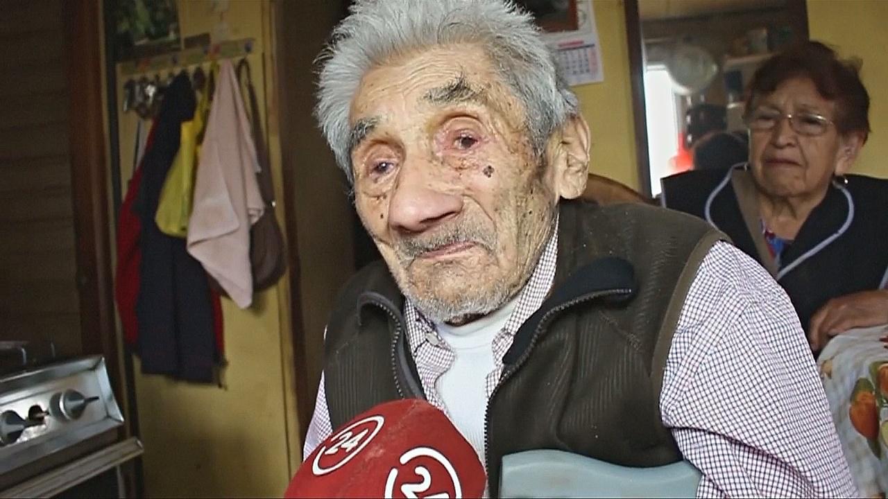Чилийка приютила 99-летнего соседа, не думая, что тот проживёт ещё очень долго