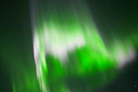 Завораживающее северное сияние сняли на видео над Финляндией