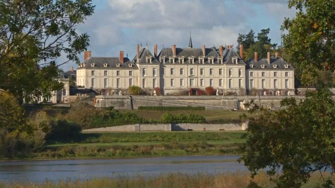 Сделка века: замок мадам де Помпадур выставляют на продажу