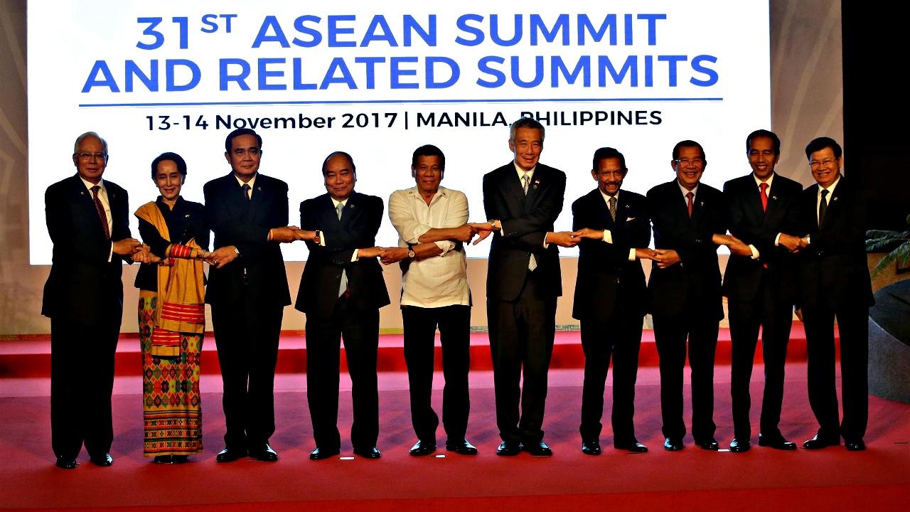Саммит АСЕАН начал работу в столице Филиппин