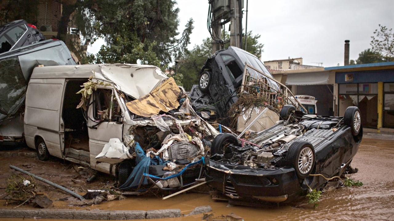 В Греции объявлен национальный траур по жертвам наводнения
