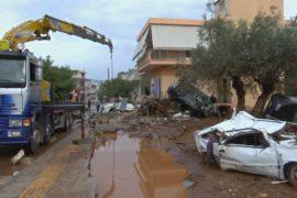 Число жертв наводнения в Греции возросло до 20