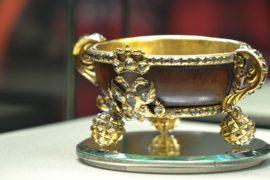 Ювелирные сокровища дома Романовых демонстрируют в Москве