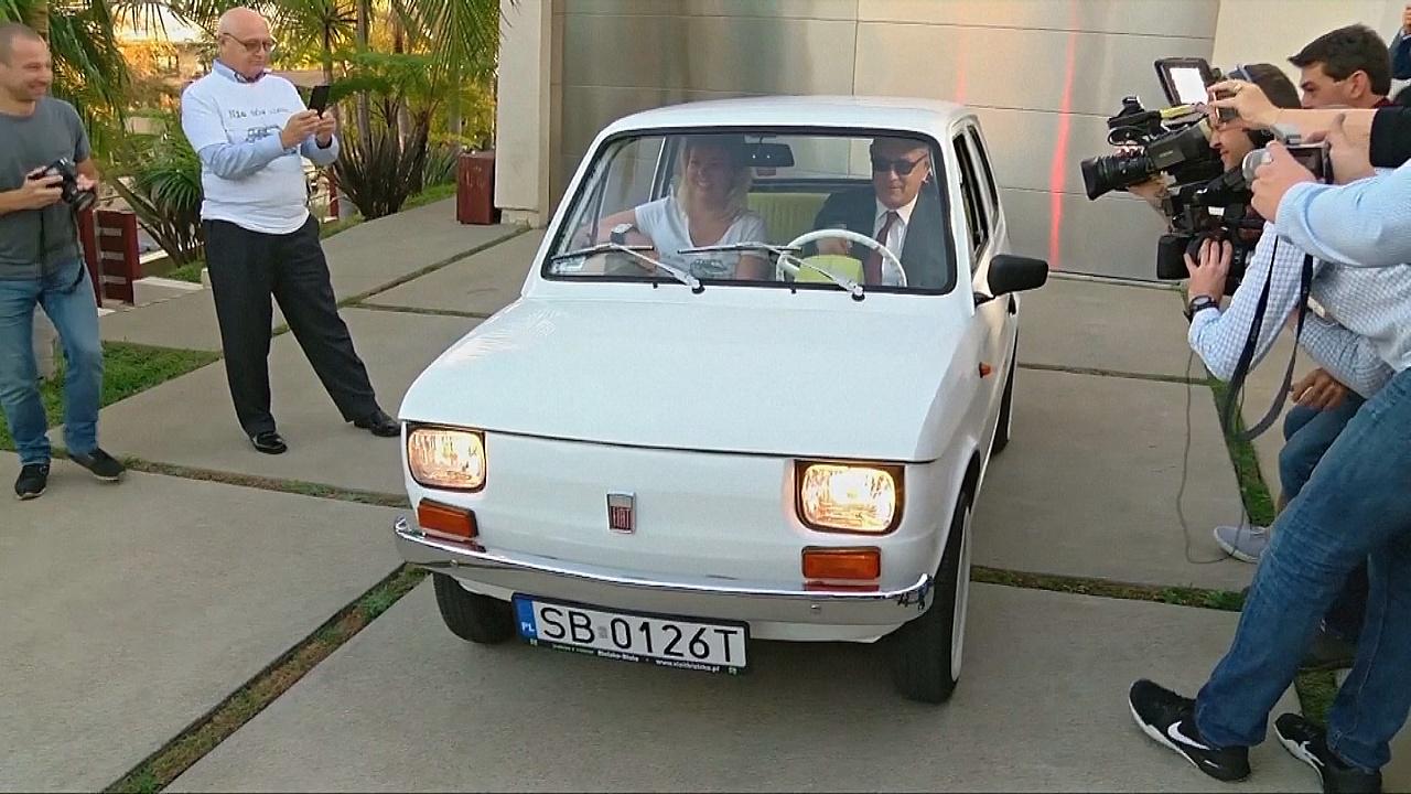 Том Хэнкс получил в подарок знаковый Fiat от польских поклонников