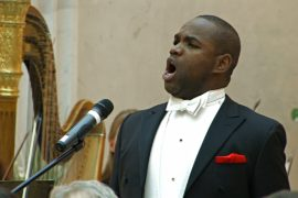 Лоуренс Браунли спел в Петербурге в память о Хворостовском