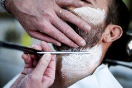 Духи, масло и свечи: на выставке в Лондоне показали, что нужно бородатым мужчинам
