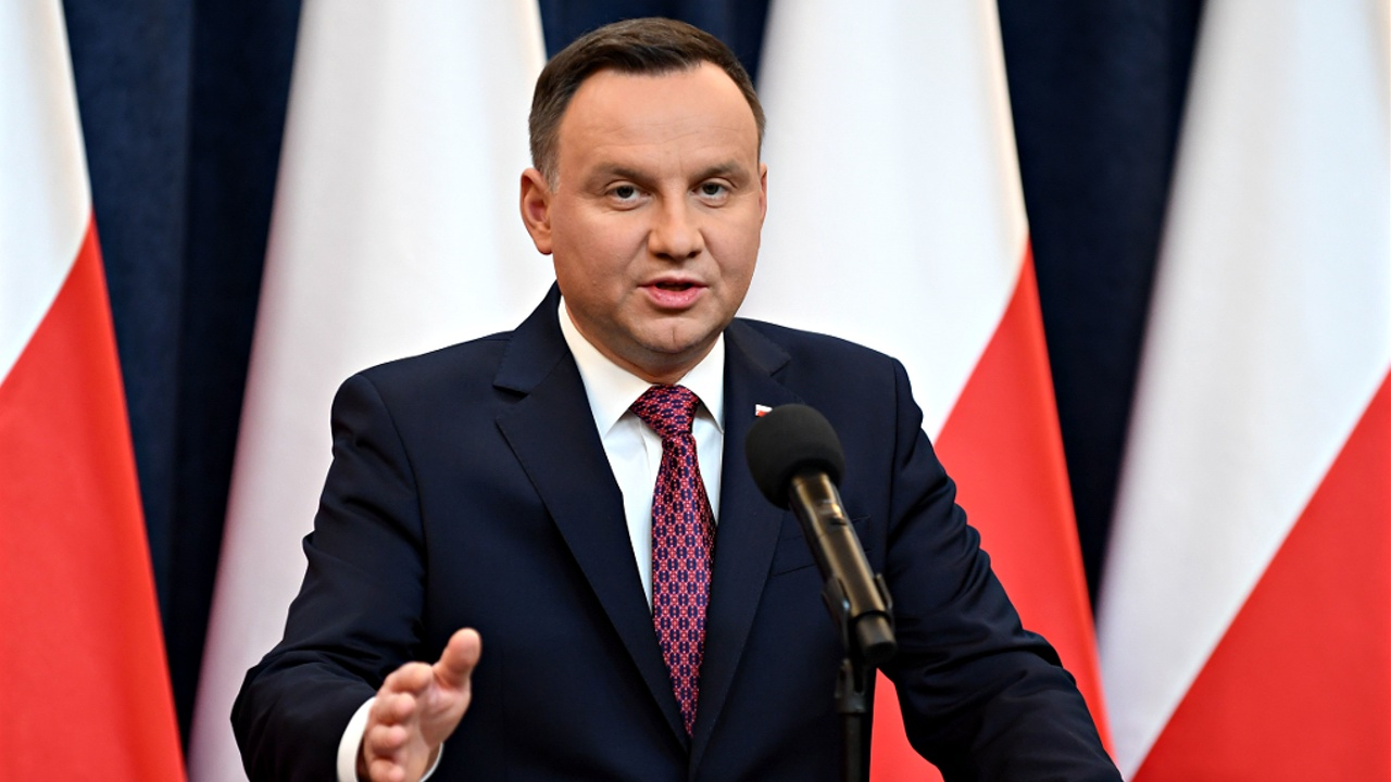 Президент Польши утвердил судебную реформу, несмотря на угрозы ЕС