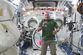 Члены экипажа МКС поделились воспоминаниями о Рождестве