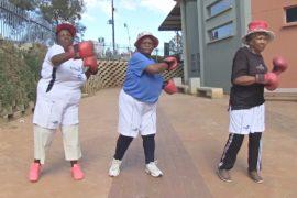 Южноафриканские бабушки занялись боксом, чтобы победить болезни