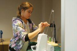 Нарядное платье к Новому году: воспитанниц детского дома научили шить