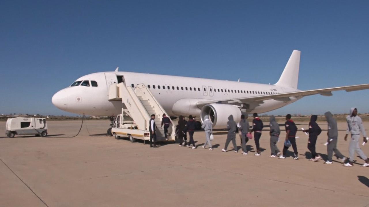 Более 140 нелегальных мигрантов депортировали из Ливии в Гамбию