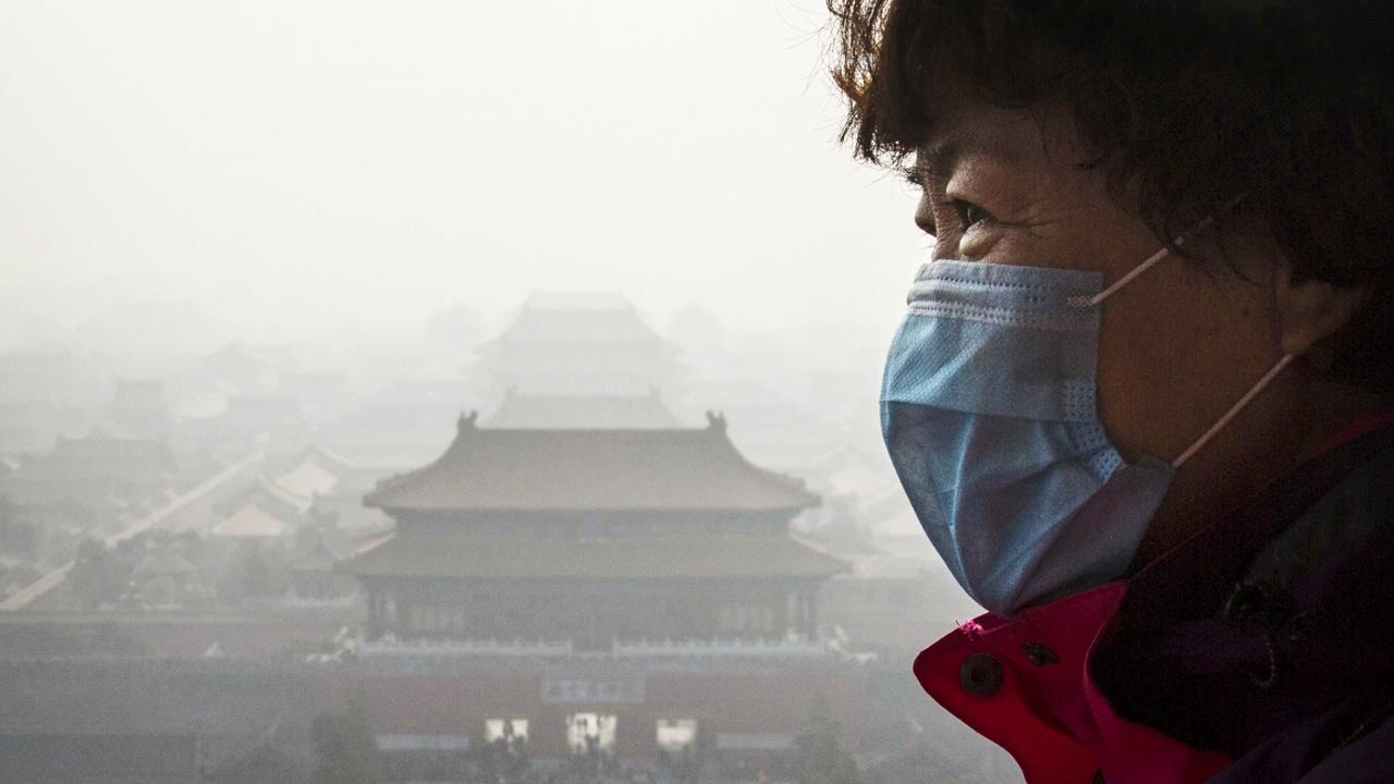 В Пекине объявили «оранжевый уровень опасности» из-за смога