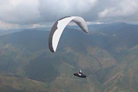 Как соревнуются параглайдеры в Колумбии