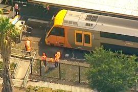 Поезд врезался в ограждение в Сиднее, есть пострадавшие