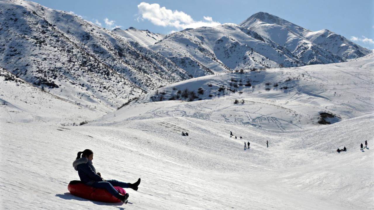 В горах Кыргызстана дождались снега и теперь ждут туристов