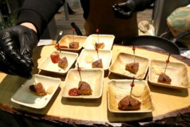 Котлеты из мучных червей жарят на выставке «Зелёная неделя» в Берлине