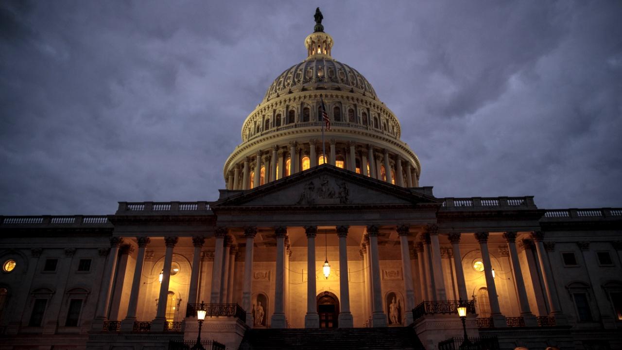 Трёхдневная приостановка работы правительства США завершилась