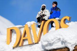 Форум в Давосе: обращения премьеров Канады и Индии и горы снега