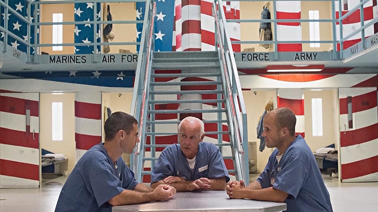 Военным США, оказавшимся в тюрьме, помогают найти себя