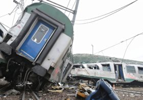 В Италии поезд сошёл с рельсов, есть жертвы