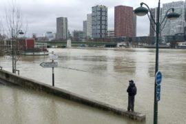 Уровень воды в Сене не превысит 6 метров