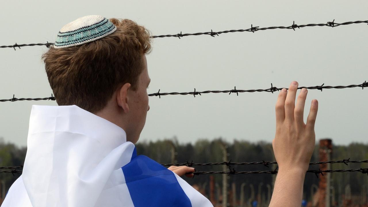 Новый польский закон о Холокосте вызвал в мире неоднозначную реакцию