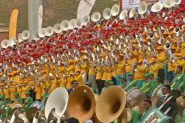 В Боливии 7000 музыкантов одновременно сыграли во время карнавала