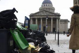 Париж обещают очистить от мусора и избавить от крыс