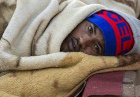 Израиль уведомляет африканских мигрантов о депортации