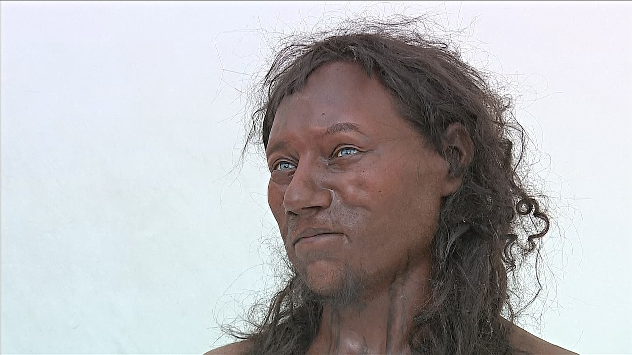Лицо человека, жившего 10 000 лет назад, показали в Лондоне