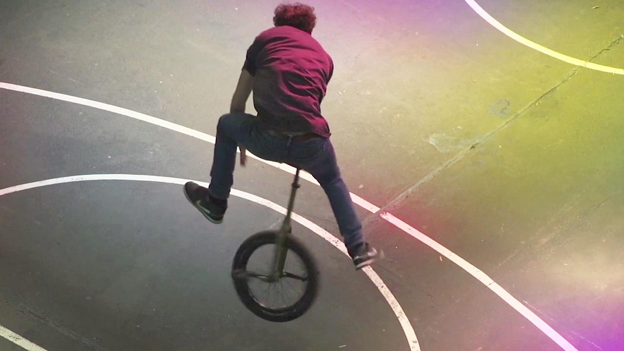 Трюки на одноколёсном велосипеде показали на чемпионате в Кёльне
