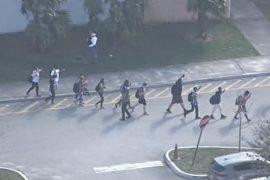 Не менее 17 человек погибли в результате стрельбы в школе Флориды