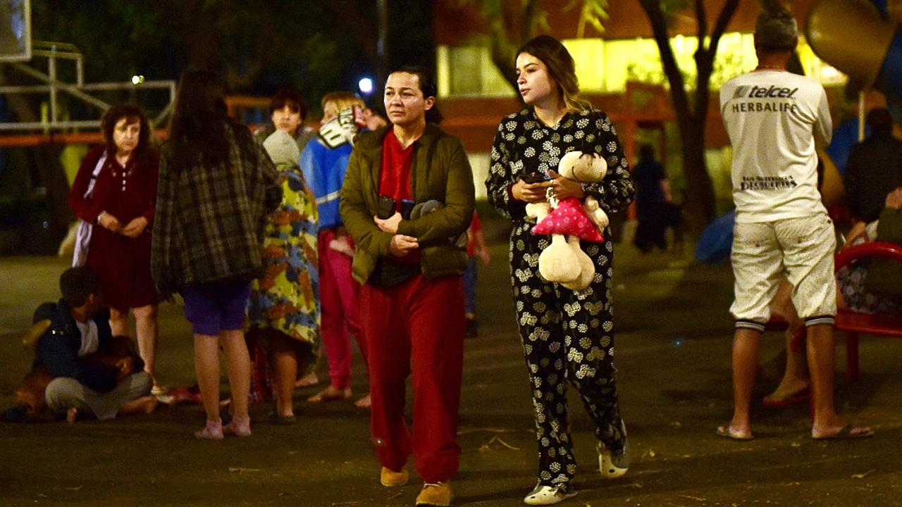 В Мехико снова звучала сирена, извещающая о землетрясении