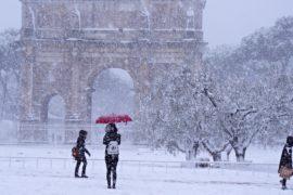 В Риме прошёл сильнейших снегопад за несколько десятилетий