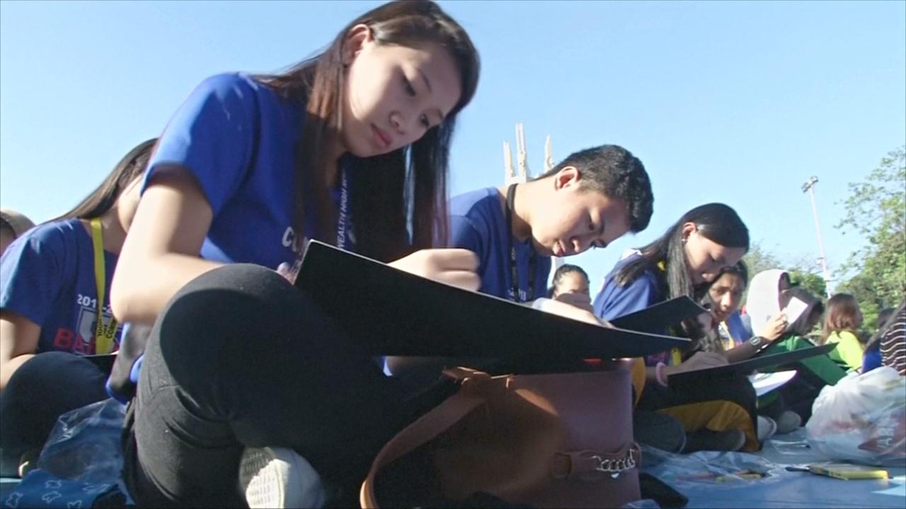 Как 16 тысяч школьников рисовали вместе ради рекорда Гиннесса