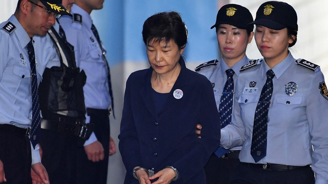 30 лет тюрьмы требуют для экс-президента Южной Кореи