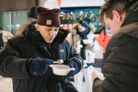 Морозы в Германии: снежные развлечения и помощь бездомным