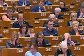 Европарламент поддержал санкции в отношении Польши