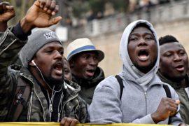 Мигранты умоляют итальянское правительство не депортировать их