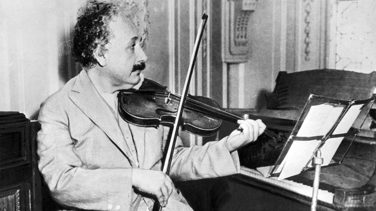Скрипка Альберта Эйнштейна уйдёт с молотка